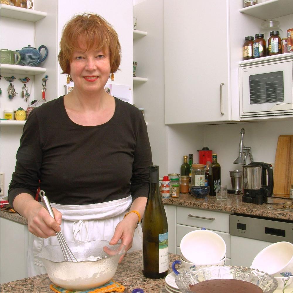 Mathilde Grünewald als 'Küchenfee'