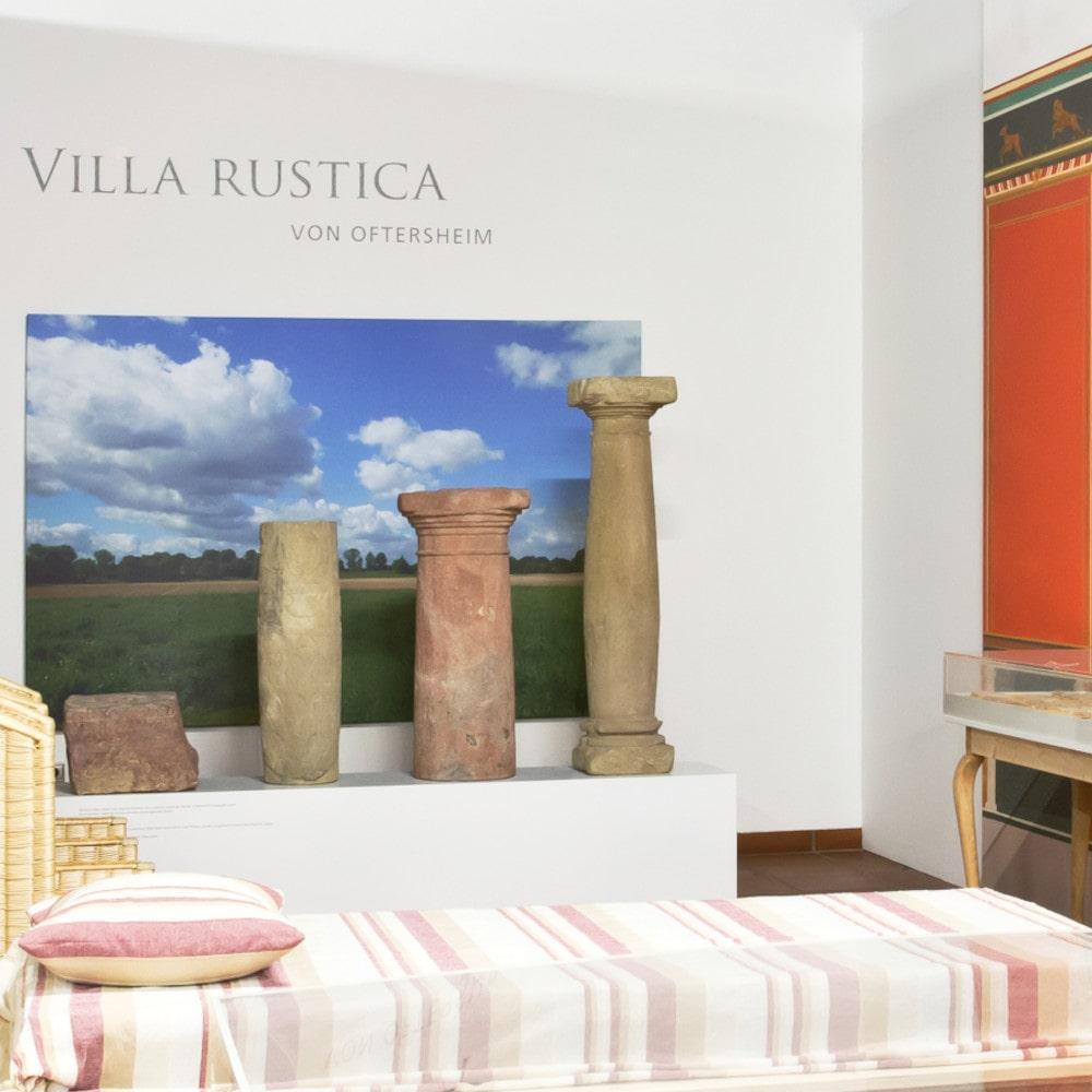 """Bemalte Wände aus der Villa von Oftersheim. Aus der Publikation """"Ein römisches Wohnhaus mit Wandmalereien in Oftersheim"""" (Foto: Mathilde Grünewald)"""